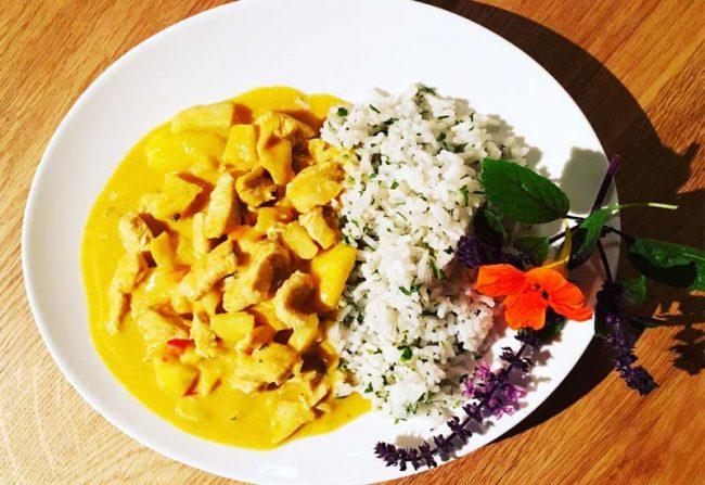 Kochblog-mokowo-chicken-curry teller