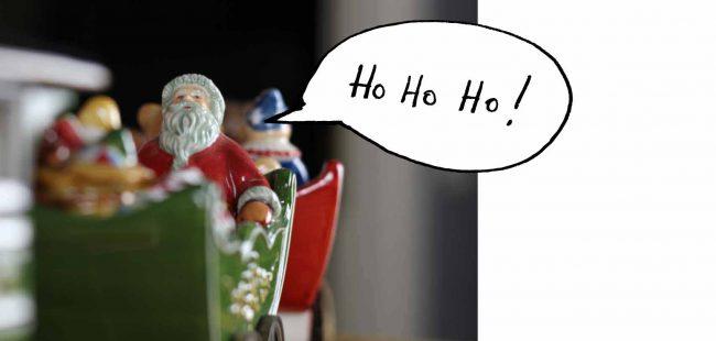 rote Weihnachtsdekoration-weihnachten-mokowo-lifetyleblog-santa claus im schlitten