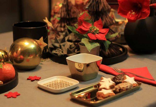 goldene-festliche-tischdekoration-mokowo-weihnachten-beitragsbild