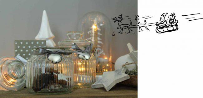 noridsche-Weihnachtsdeko aus Glaselementen und weißer Deko an Weihnachtenb