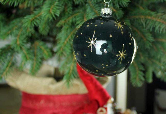 Tannenbaumschmuck-gruen-weihnachten-mokowo-beitragsbild2