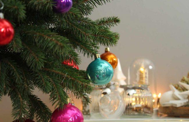 deko weihnachtsbaum-bunt-weihnachten-mokowo-bunt