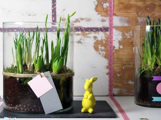 Dekoideen große Glasvase und Osterhase auf Interior Blog