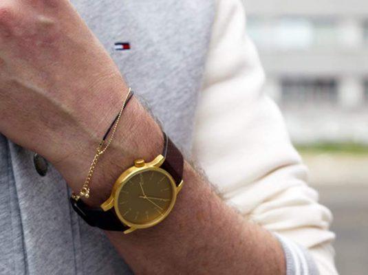 Bild von goldener Uhr - Uhren Trend 2018 Modeblog MoKoWo