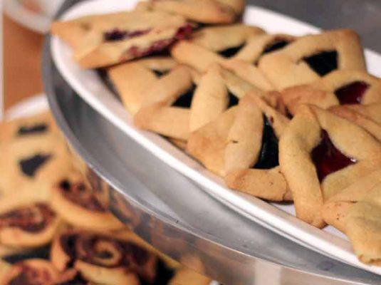rezept hamantaschen auf dem Kochblog mokowo mit Tischdekoratioen