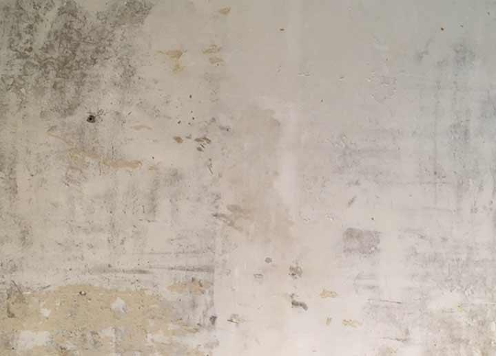 tapete entfernen richtig schmaler flur renovieren wohnblog mokowo interior wohnen sichtbetonwand. Black Bedroom Furniture Sets. Home Design Ideas