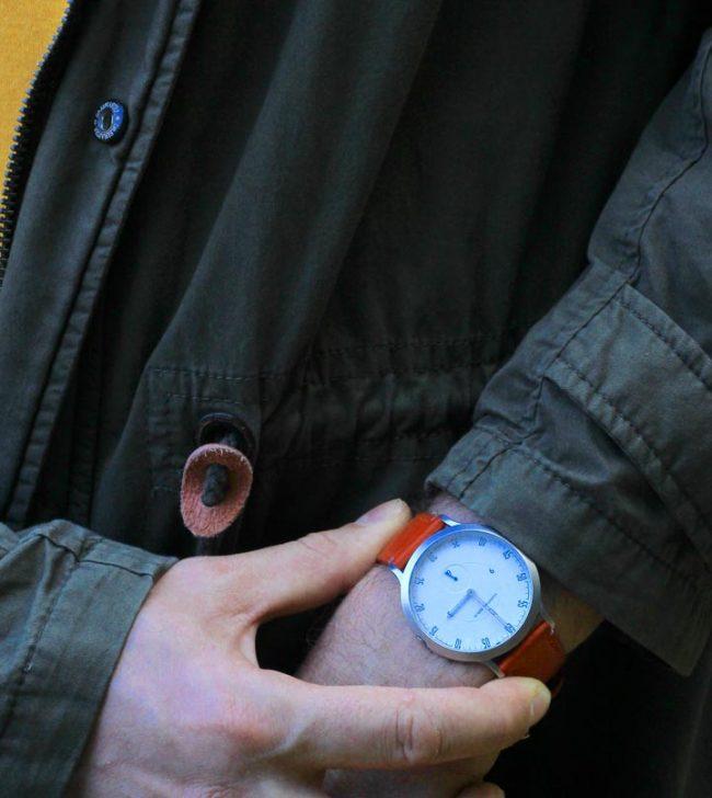 Lilienthal L1 Uhr mit grüner jacke modeblog männer