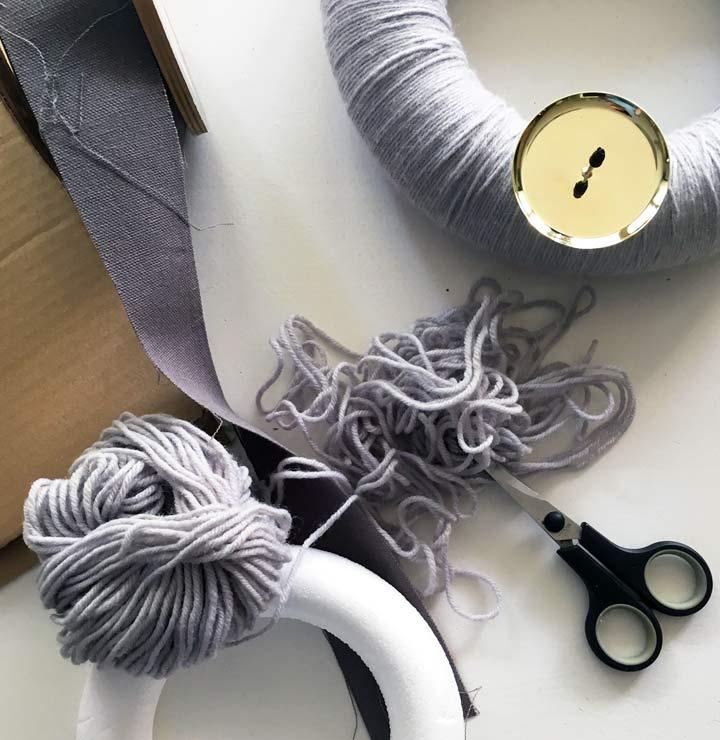 schlichte adventskranz diy selbermachen anleitung weihnachten mokowo. Black Bedroom Furniture Sets. Home Design Ideas