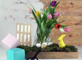 Dekoideen für Ostern mit einfacher DIY Deko, Tulpen, Osterhasen und Ostereiern und Islandmoos