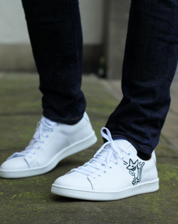 weiße Marc Jacobs Sneaker mit Sketch auf dem Mode und Lifestyle Blog aus Berlin